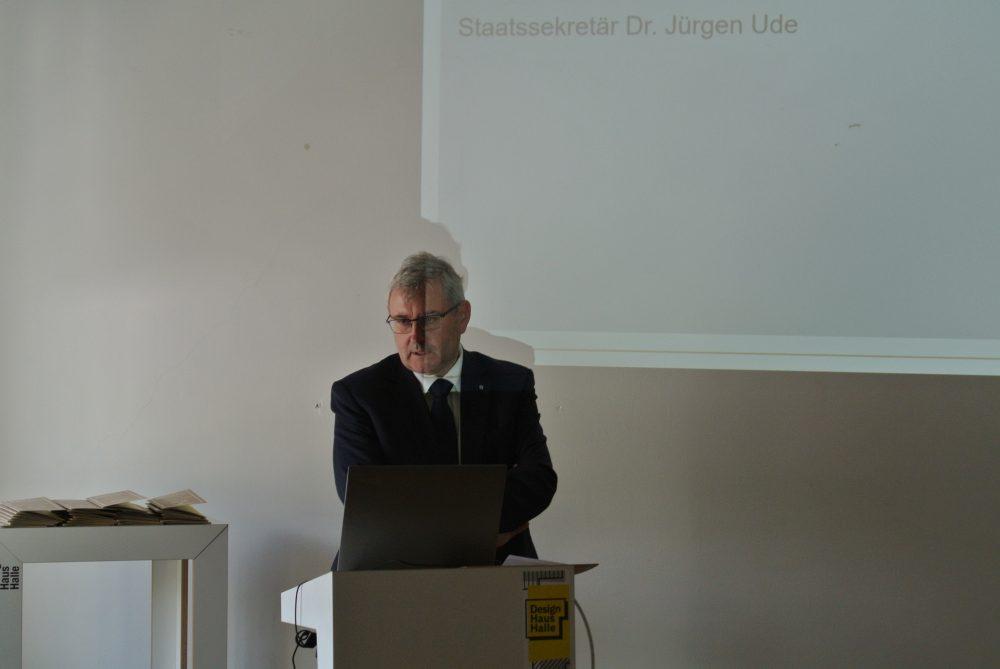 Staatsminister Dr. Jügen Ude